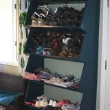 Floor-to-ceiling Shoe Shelf with Angled Front Shelf plans